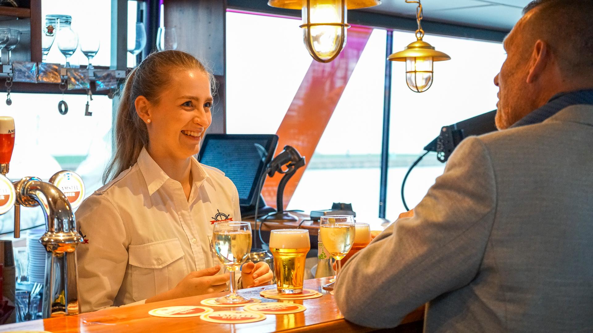 captain bar personeel