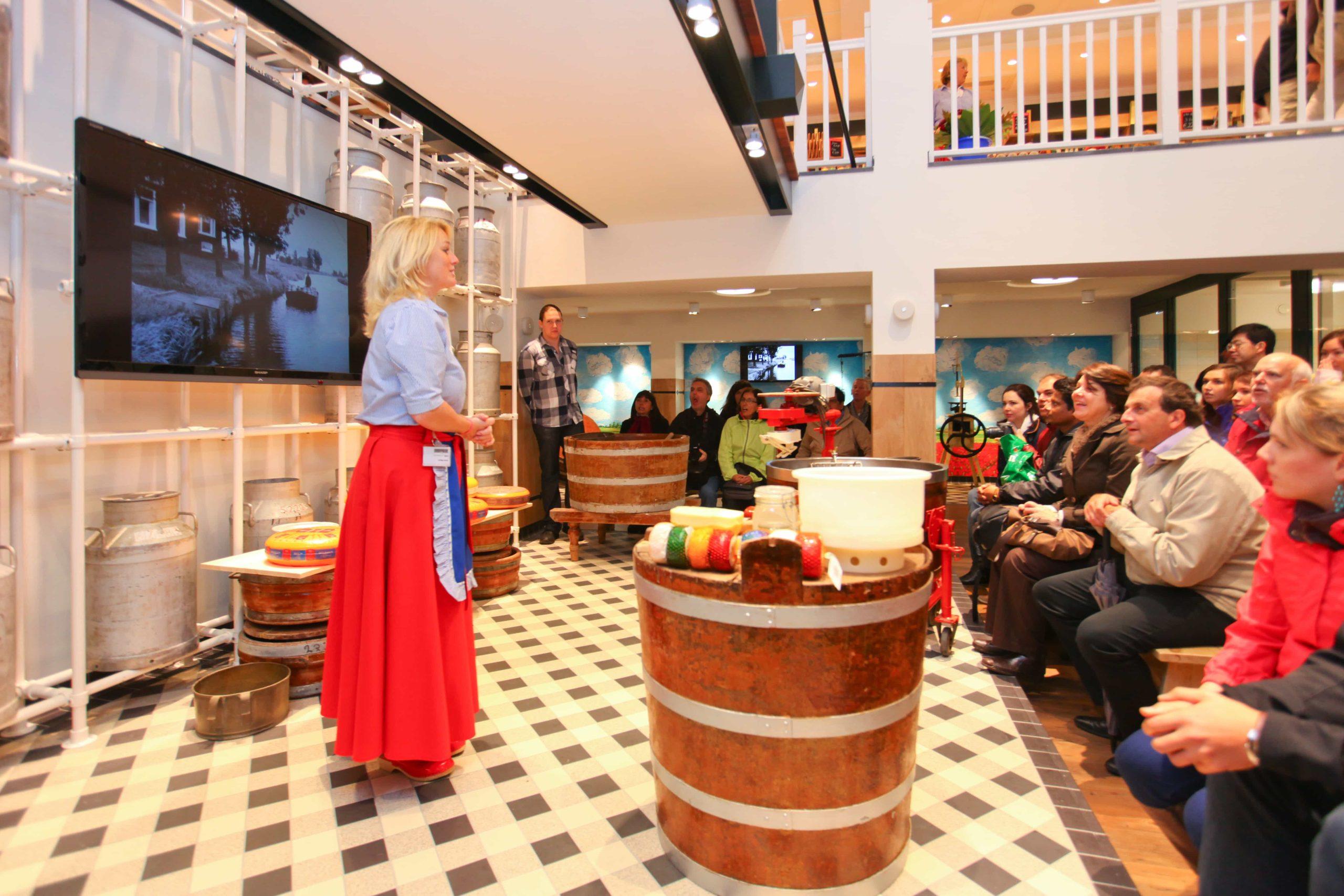 Uitleg bij Cheese Factory Volendam