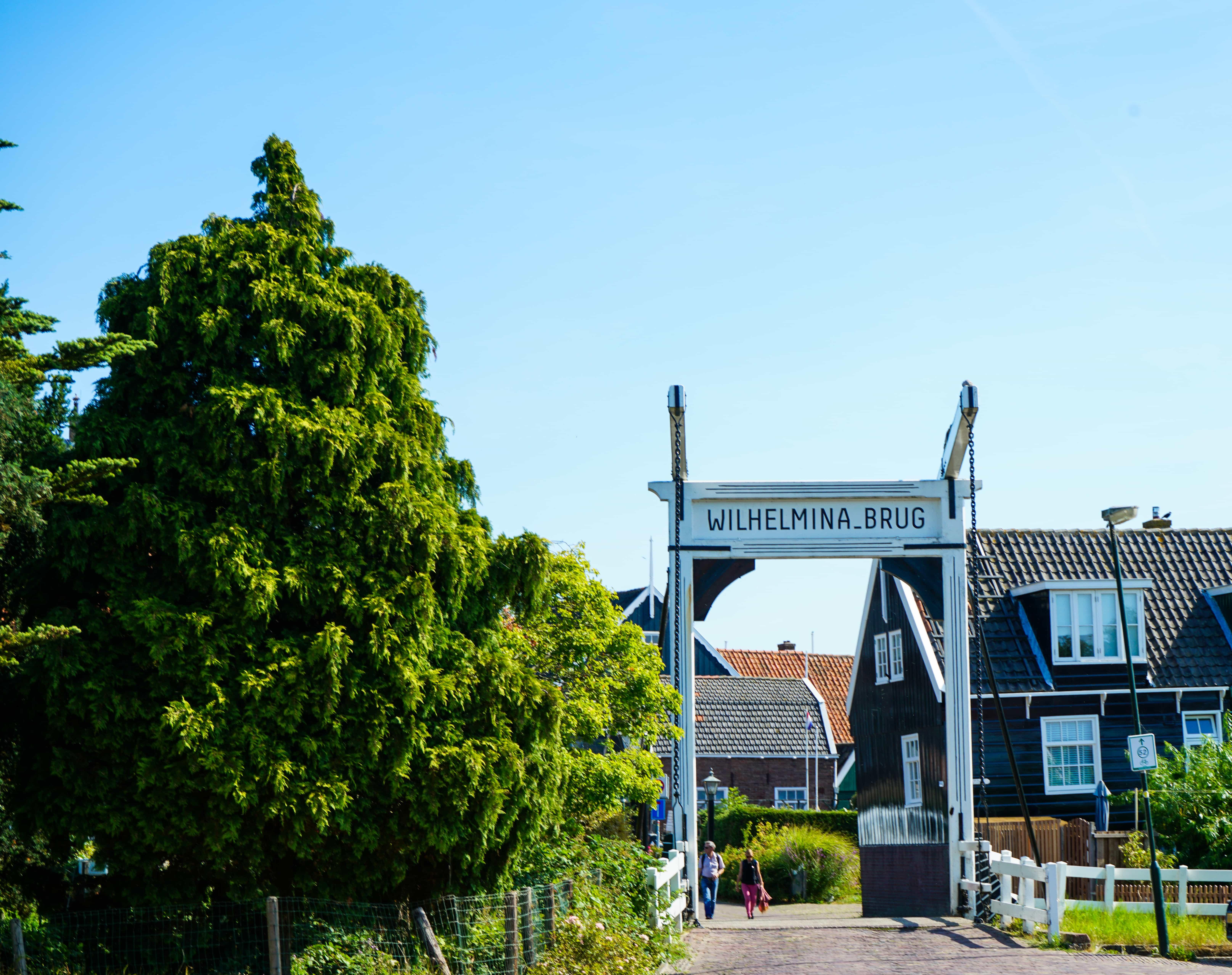 Wilhelminabrug in Marken